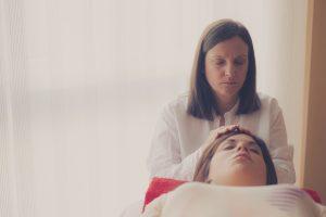 Si te sientes mal el Reiki te ayuda a estar bien a nivel físico, mental y emocional